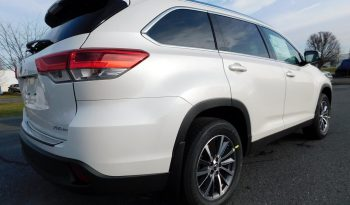 New 2019 Toyota Highlander XLE AWD full